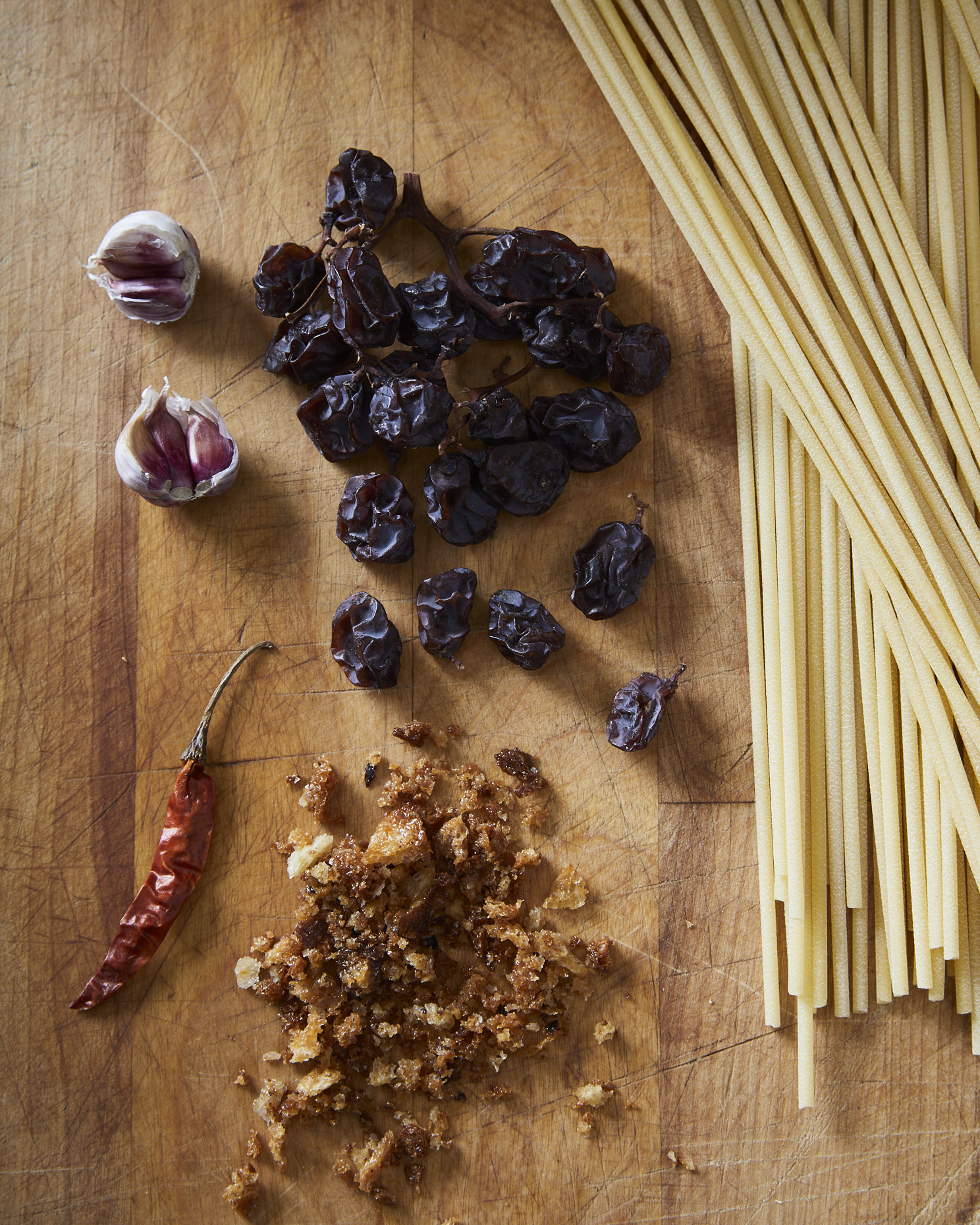 PastaBreadcrumbsRaisins_ingredients_130
